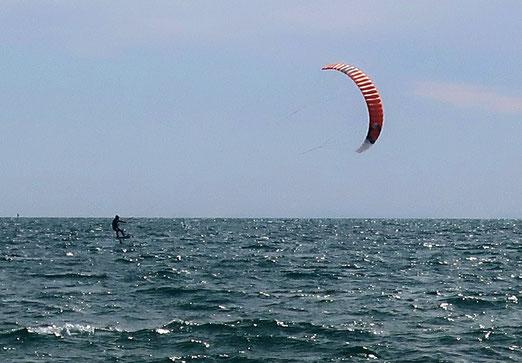 09. März 2020 - Auf Wellen geritten, vom Wind gezogen