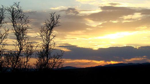 Wir vertrödeln Zeit.......beim Fotografieren des Sonnenunterganges....