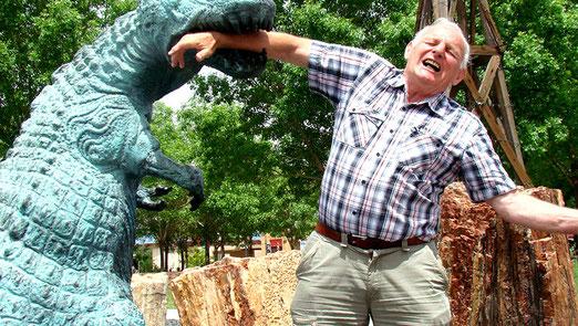 Pech! Bevor wir das Dinosaurierland verlassen hat mich doch noch einer erwischt!