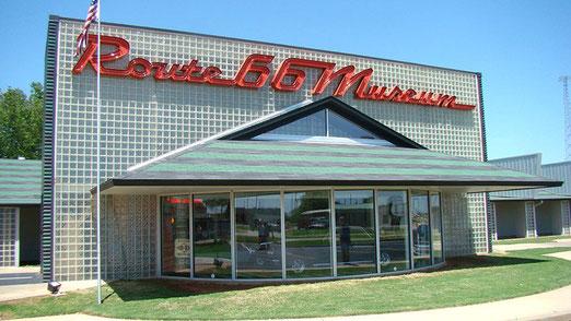 Zwischenhalt in Clinton (Oklahoma) zwecks Besuch des Route 66-Museums.