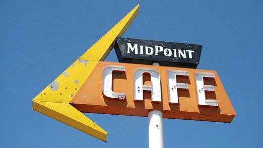 Angekommen beim Midpoint Cafe.