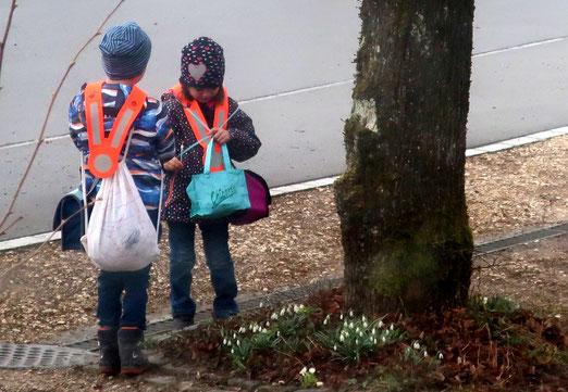 08. März 2021 - Zwischenhalt auf dem Weg zur Schule