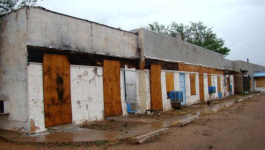 Auf dem Weg nach Flagstaff - Viele Motels haben nicht überlebt, seit die Interstate die Route 66 verdrängt hat.