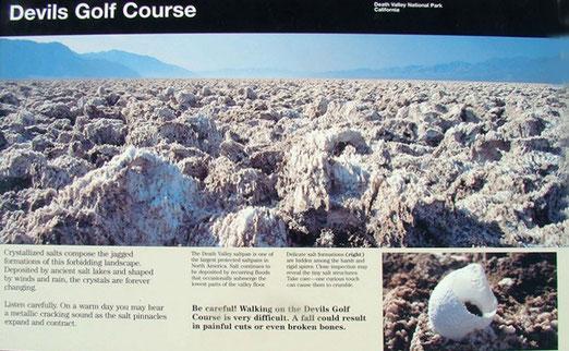 Des Teufels Golfplatz: Kristallisiertes Salzwasser im Death Valley lässt Gebilde wie Golfbälle entstehen