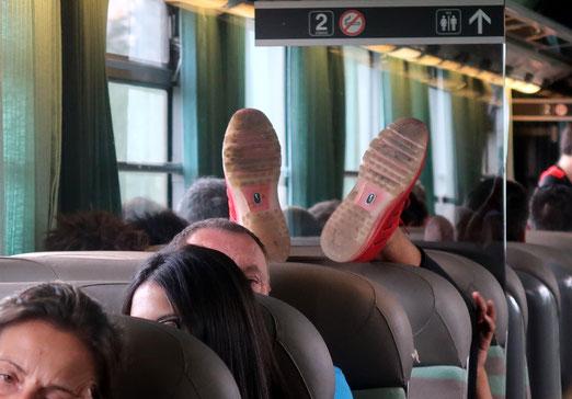 07. Juli 2017 - Schuhwerbung, Ferienstimmung oder falsch verstandener Hinweis (rechts oben) ?