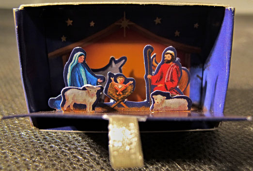 5. Dezember - Deutschland. Minikrippe. Coppenrath Pop-up Mini Krippe. Streicholzschachtelgösse., öffnet sich beim Herausziehen