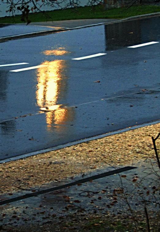 """09. Dezember 2018 - Sonntag, 2. Advent. Regen und Sturm. """"Marielou"""" fegt durch die Schweiz,"""