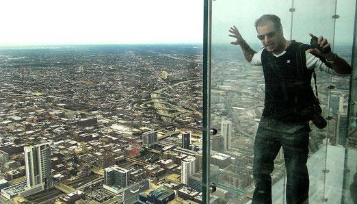 Chicago: Die hinausragende, durchsichtige Glasplattform auf dem Willis-Tower ist nur für nervenstarke Besucher bestimmt