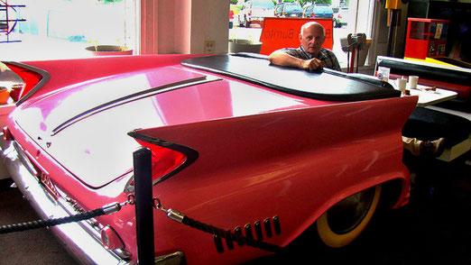 Morgenessen bei Deli & Ice Cream in einem umfunktionierten Cadillac