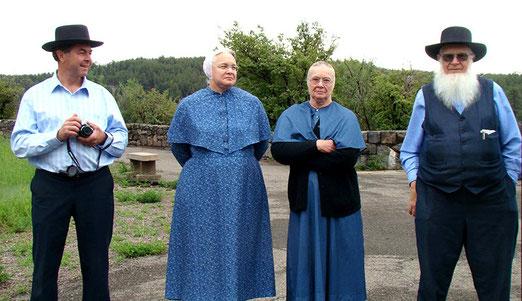 Auch die Amish People aus Pennsylvanien gehen heute reisen und bewundern die imposante Aussicht