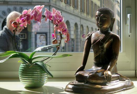 """28. März 2018 - Wieder ein Stück Zürich stirbt. Das Traditions-Café """"Mandarin"""" (Stadelhofen)  wird heute für immer geschlossen."""