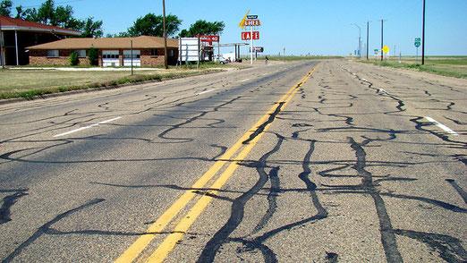 Adrian (Texas): Noch 100 Meter, und wir haben genau die Hälfte der Route 66 bewältigt.