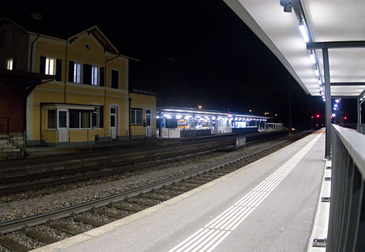 """04. Februar 2018 - Einsamkeit oder das Bild vom Zug, """"wo geng scho abgfahre isch oder no nid isch cho..."""" (Mani Matter)"""