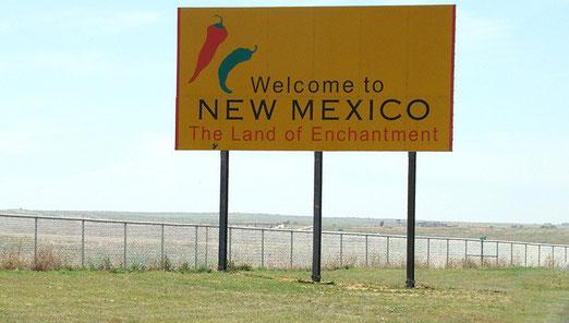 Knapp 20 Meilen nach Adrian (Texas) heisst uns New Mexico willkommen bei Glenrio.