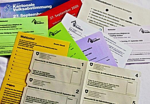 26. September 2020 - Stimm- und Wahlwochenende: Auselgeordnung auf dem Küchentisch