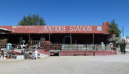 Besuch einer grossen Antique Station in Oro Grande