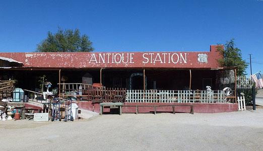 Besuch einer grossen Antique Station in Oro Grande