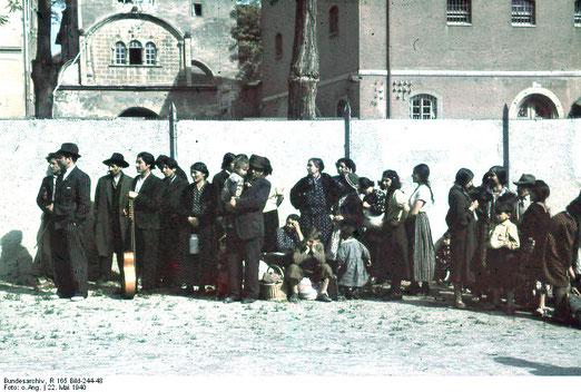 Asperg, Deportation von Sinti und Roma, 22. Mai 1940, Bundesarchiv, R 165 Bild-244-48 / CC-BY--SA, Creative Commons Attribution-Share Alike 3.0 Germany