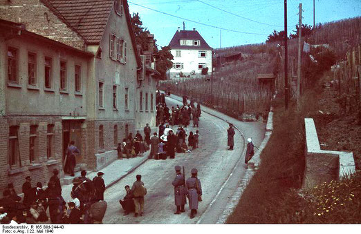 Asperg, Deportation von Sinti und Roma, 22. Mai 1940, Bundesarchiv, R 165 Bild-244-43 / CC-BY-SA, Creative Commons Attribution-Share Alike 3.0 Germany