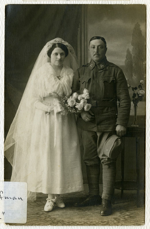Hochzeitsfoto Fanny und Peter Gold (Quelle: United States Holocaust Memorial Museum, courtesy of Moses und Ruth Rontal, Wedding portrait of Fanny and Peter Gold, Photograph Number: 80518), Link: https://collections.ushmm.org/search/catalog/pa1177999