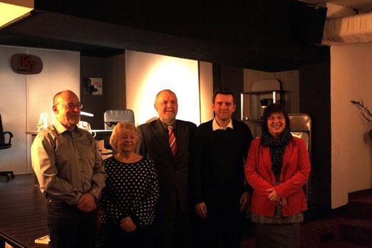Joachim Speidel, Rosi Apitz, Verleger Detlev Knut, Martin Halotta und Anja Ollmert - Foto Jenny Kattowitz
