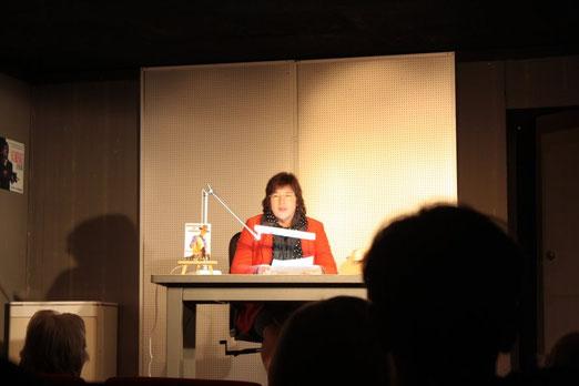 """Bei der Premieren-Lesung zu """"Showdown in Laramie"""" im Theater an der Luegallee/Düsseldorf - Foto: Halotta/Kattowitz"""