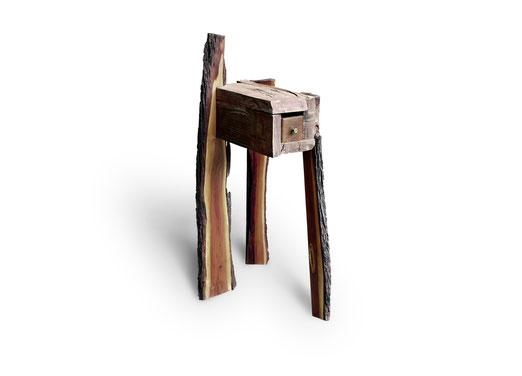 Dieses Möbel Einzelstück ist einzigartig.