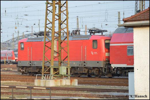 Recht unfotogen zeigte sich 112 180-5 am 18. Februar 2015 in Leipzig Hbf.