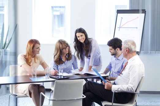 Verbesserung der Raumakustik von Büroräumen, Meetingräumen und Konferenzräumen