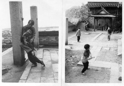 少年時代、お寺の境内にて