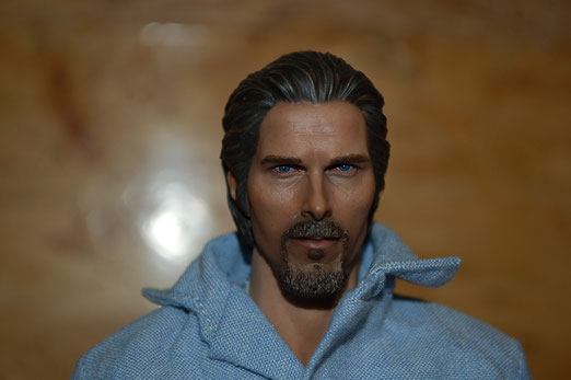 Christian Bale alias Bruce Wayne
