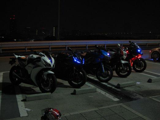 左から、CBR1000RR,YZF-R6,SV650S,TZR250,Ninja400