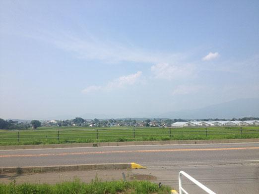 順番前後するけど途中の田舎道。東京と違ってのんびりしていていいですね。