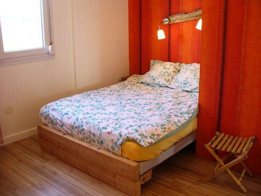 le lit en alcove. Black Bedroom Furniture Sets. Home Design Ideas