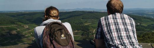 Traumhafte Fernsichten vom Dernauer Krausberg Richtung Siebengebirge über Marienthal hinweg.