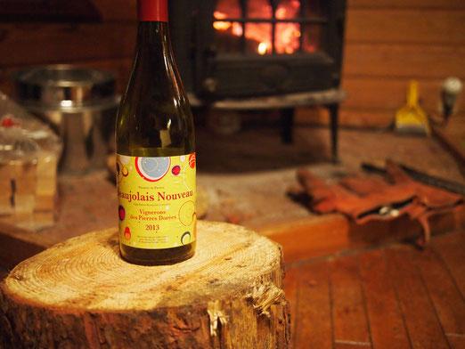 冬は薪ストーブとワインで