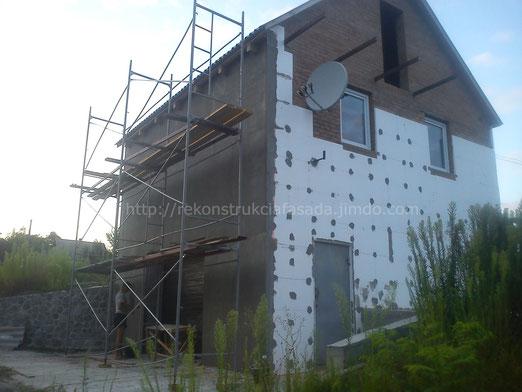 процесс утепления, армирования стен фасада, Тараща, Киевская обл.