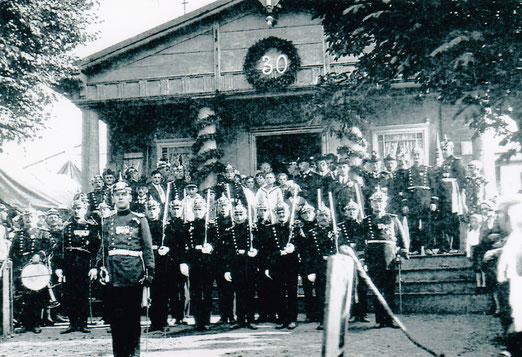 Die Schützen angetreten aus Anlass 30 Jahre Hauptwache 1927