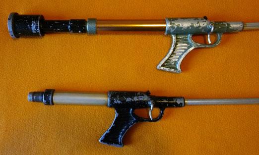 Fusiles Salmatic de aire, la parte trasera sirve como bomba de aire y contrapesa.