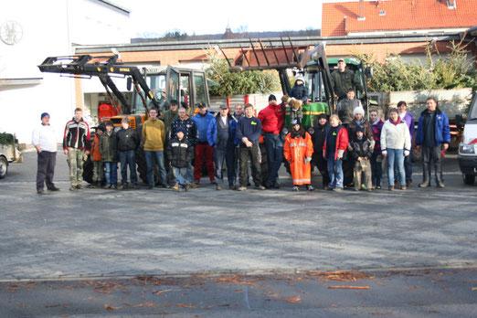 Helfer des Tannenbaumsammeln 2012