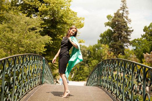 foulard fanfaron, carré de soie, panache, allure, art de vivre à la française