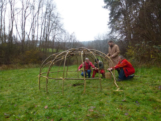 Schwitzhüttenbau mit Dieter Three eagle vom Beuerhof