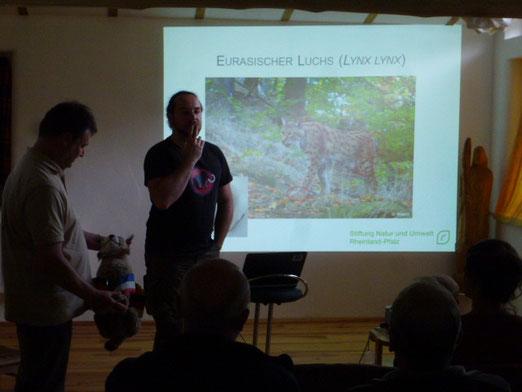 Karl Heinz Klein und Julian Sandrini vom Luchsprojekt Pfälzer Wald
