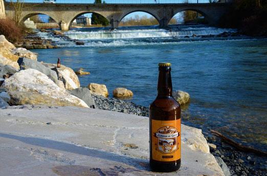 bière blonde de type belge houblonnage à crue Brasserie de la mousse du guiers à st Genix sur guiers