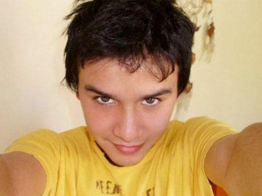 Daniel Zamudio 03 août 1987 – 27 mars 2012 mort parce qu'il était homosexuel !