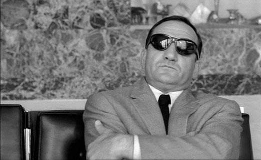 """Lino Ventura dans """"Les barbouzes"""" de Georges Lautner film dialogué par Michel Audiard"""