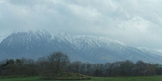 八幡平側からの岩手山