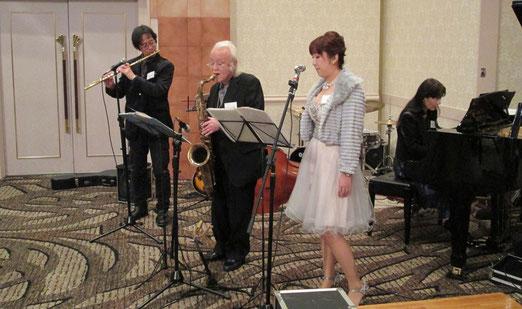 和音、低音は、一切Miyukiさんの担当となりました