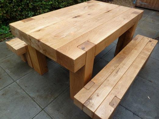 Стол со скамейками из массива дуба