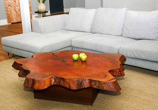 Стол деревянный из спила дерева